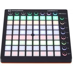 MIDI-контроллер Novation...